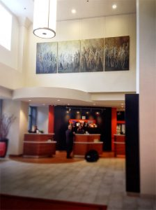 Lobby in Courtyard Marriott in Grand Rapids